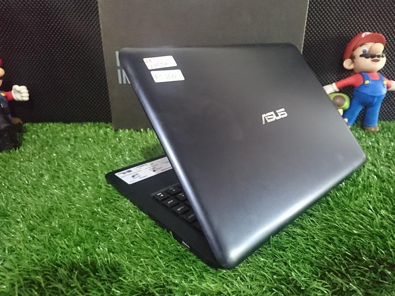 Asus E402W AMD Quad Core E2-6110/4GB/500GB