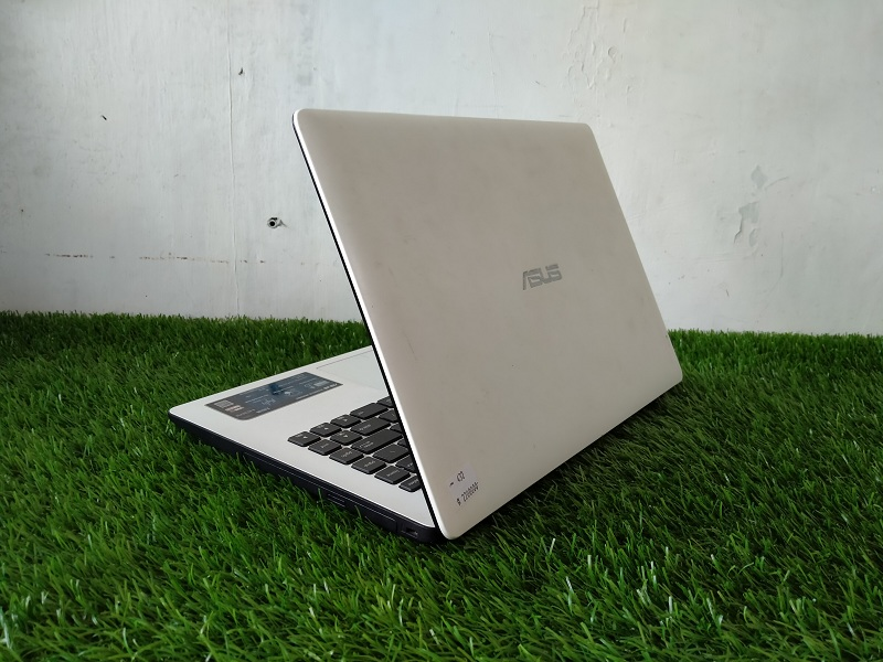 Laptop Pelajar ASUS X453M Celeron N2840 Siap Lembu