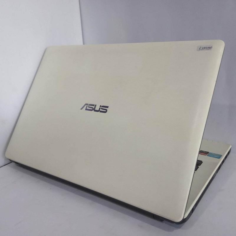 ASUS X452C Core i3 Dual VGA RAM 4/500