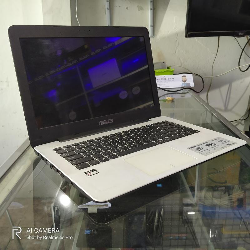 Asus X455WA AMD E1-6010 AMD Radeon R2