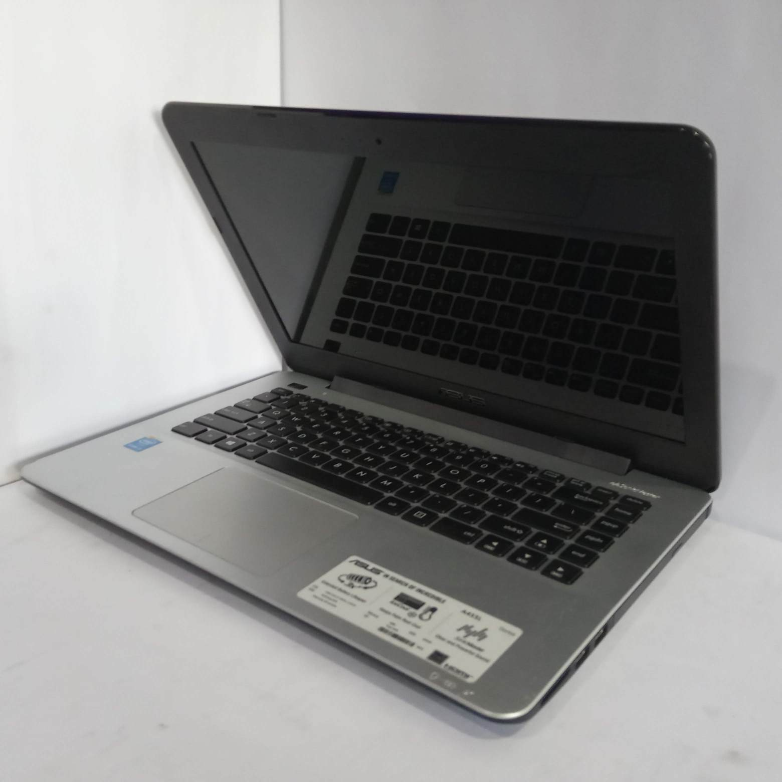 Asus A455L Core i3 Ram 4Gb Hdd 500Gb