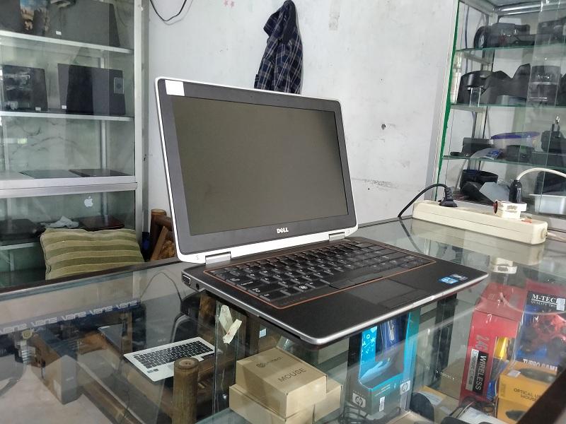 Dell Latitude E6320 Core i5 Intel HD RAM 4GB/1 TB