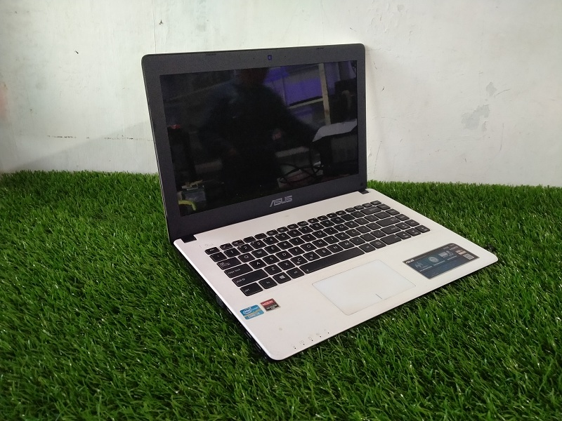 GAMING MULTIMEDIA RAM 4GB Asus X452C core i3 IvyBr