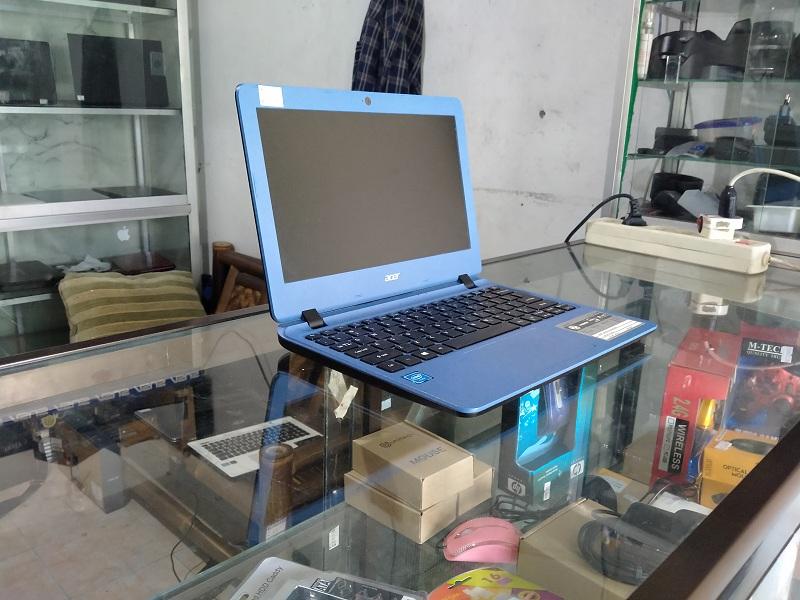 Notebook Pelajar Acer Aspire ES1 Celeron N3350 Int