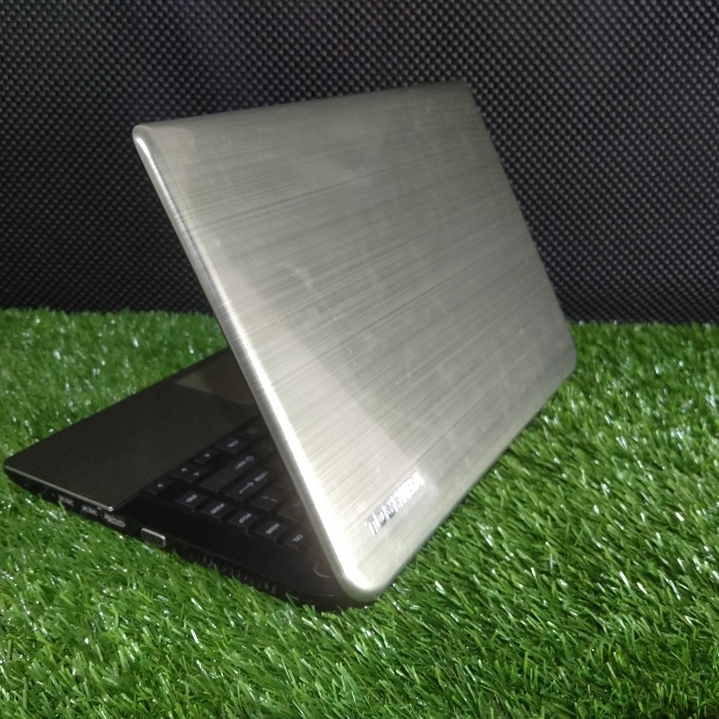 Toshiba L40 Core i3 Intel HD Bandel Ngebut