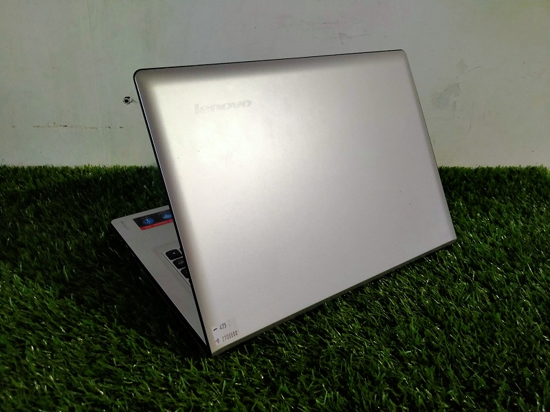 Lenovo Ideapad 300 Celeron N3150 Intel HD RAM 4GB