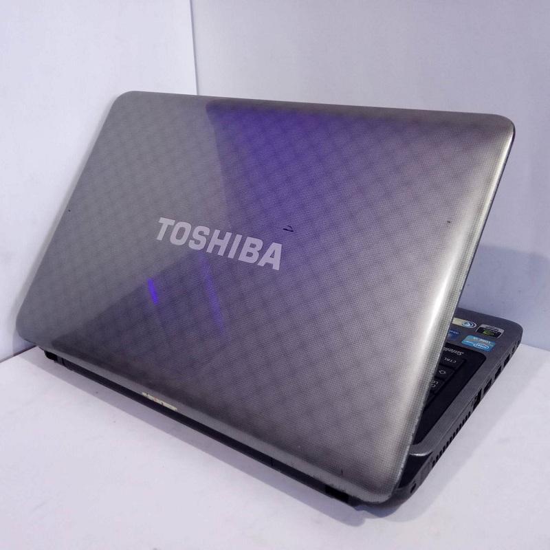 Toshiba Satellit L745 Core i3 Dual VGA RAM 2/640